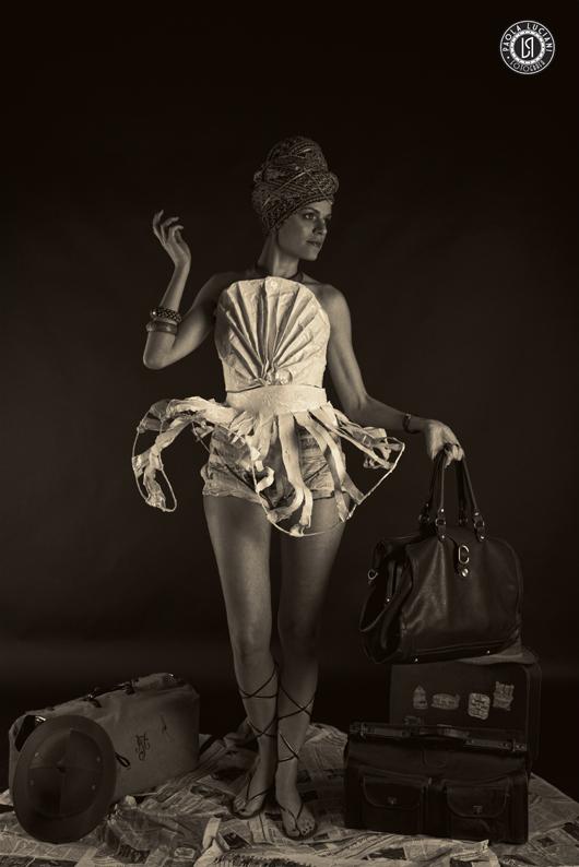 """""""Calatrava paper/dress"""" Viaggiare sul treno del tempo tra le etnie di luoghi lontani."""